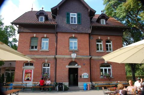 Der Biergarten In Stuttgart Mit Grossem Spielplatz Und Fussballplatz Katzenbacher Hof